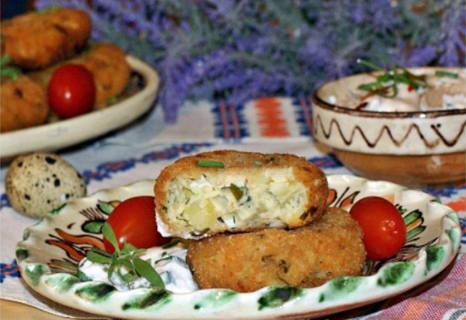Trei rețete de aperitive festive de Revelion: chifteluțe de cartofi cu ouă de prepeliță și brânză