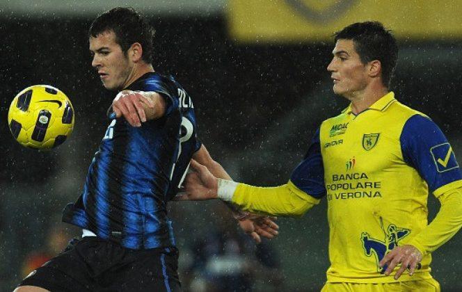 Denis Alibec, în timpul meciului jucat de Inter cu Chievo Verona