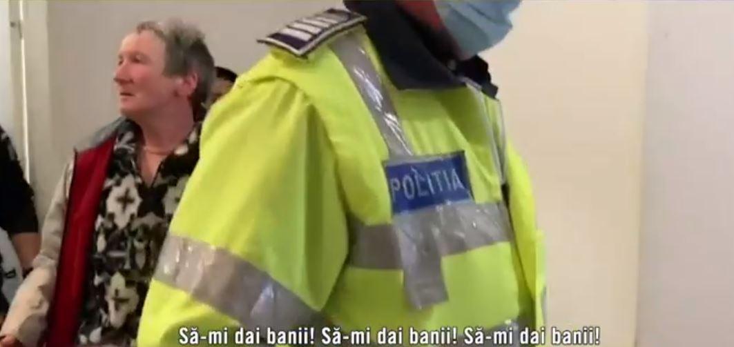 Atacatoarea Mirelei Vaida, prinsă de polițiști. Sursa foto: captură TV