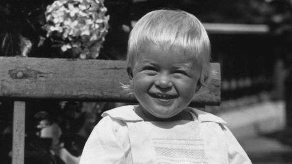 Prințul Philip în copilărie
