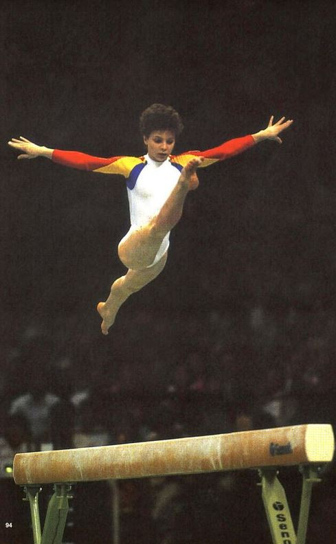 Daniela Silivaş, exerciţiu la bârnă în 1988