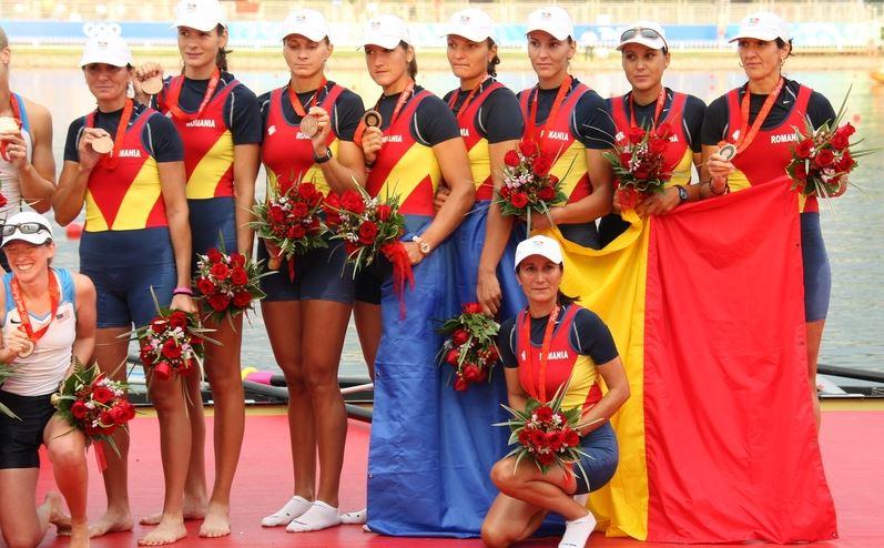 Echipajul de 8+1 al României, medaliat cu bronz la JO 2008