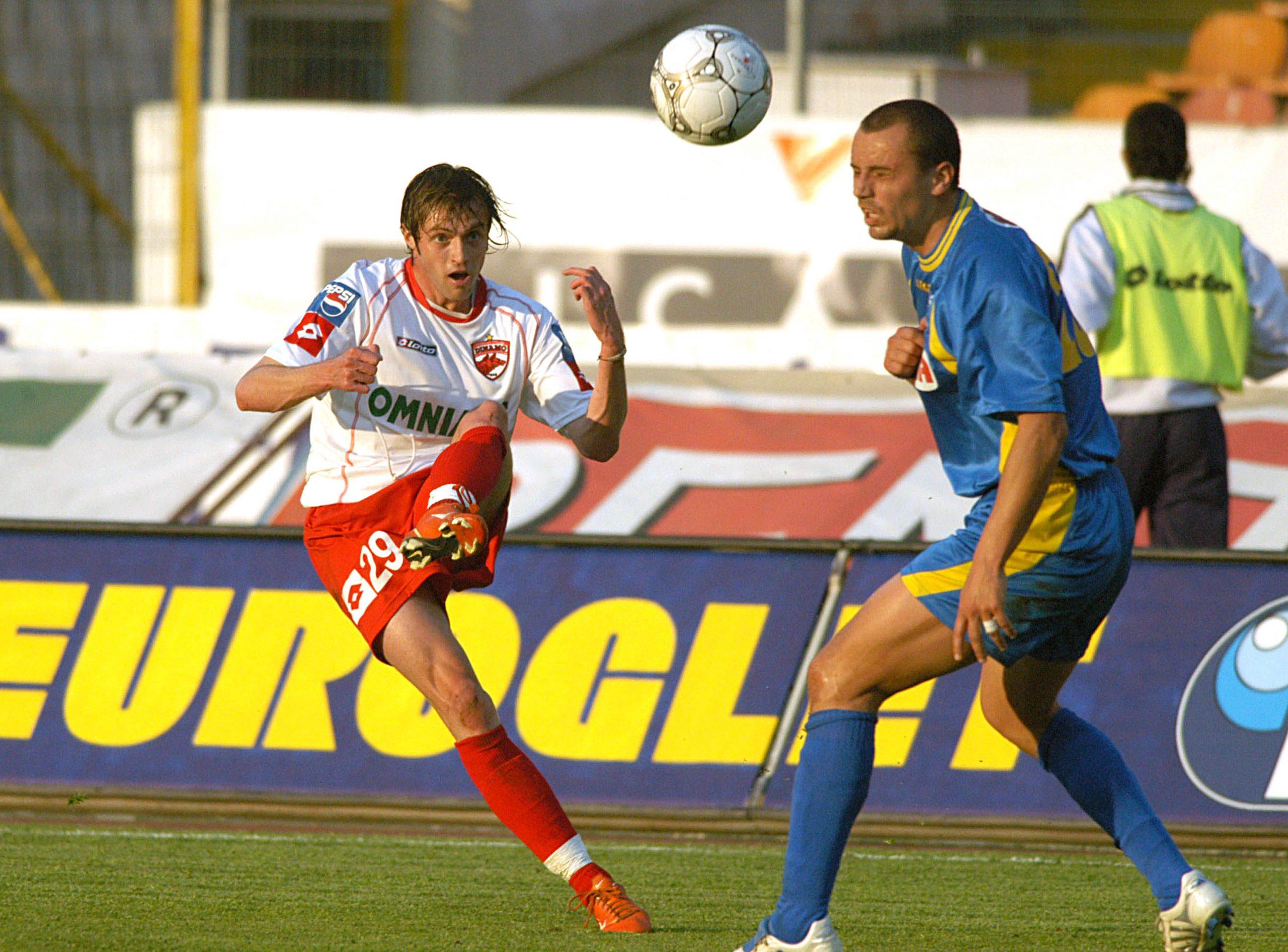 Cristi Pulhac, în Dinamo - FCM Bacău 3-0. Foto: SportPictures.eu
