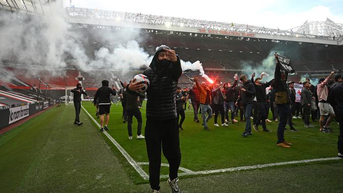 Fani Old Trafford protest