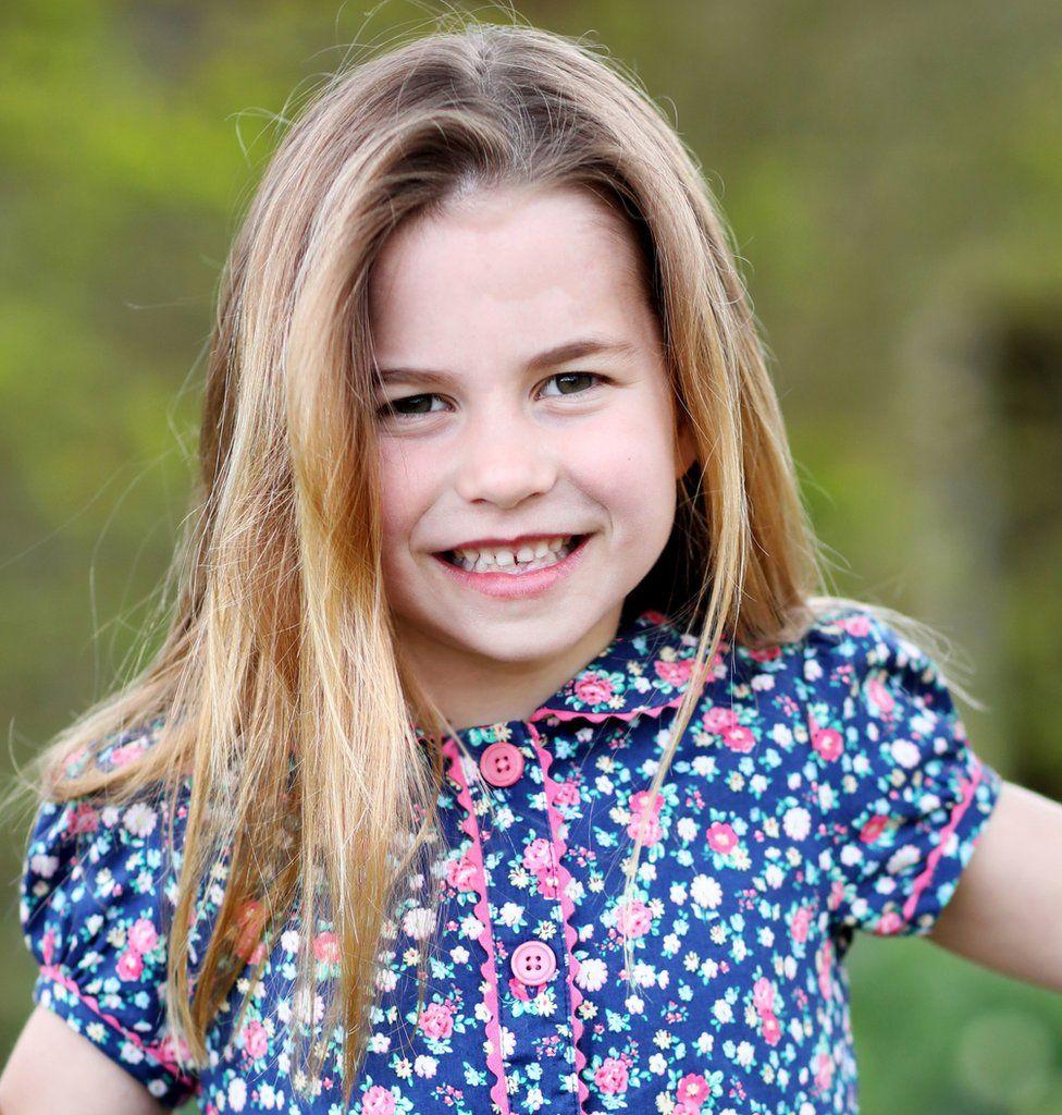 Prințesa Charlotte împlinește șase ani. Familia regală a publicat o fotografie care ascunde un detaliu emoționant