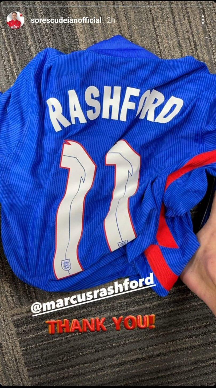 Deian Sorescu i-a multumit lui Marcus Rashford printr-o postare pe instagram dupa ce a facut schimb de tricouri la finalul meciului dintre Anglia si Romania. Sursa foto: captura cont instagram Deian Sorescu