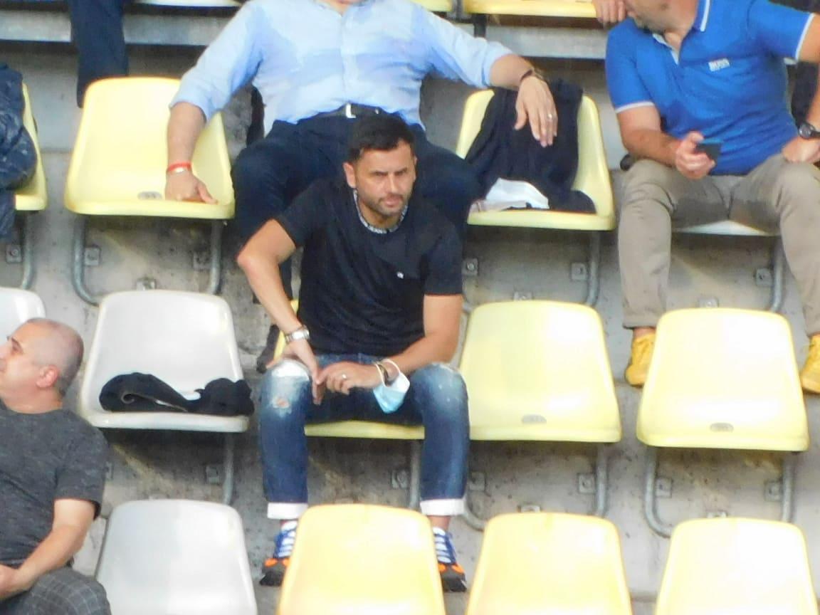FANATIK l-a surprins pe Nicolae Dica in tribunele stadionului la meciul Ucraina - Austria