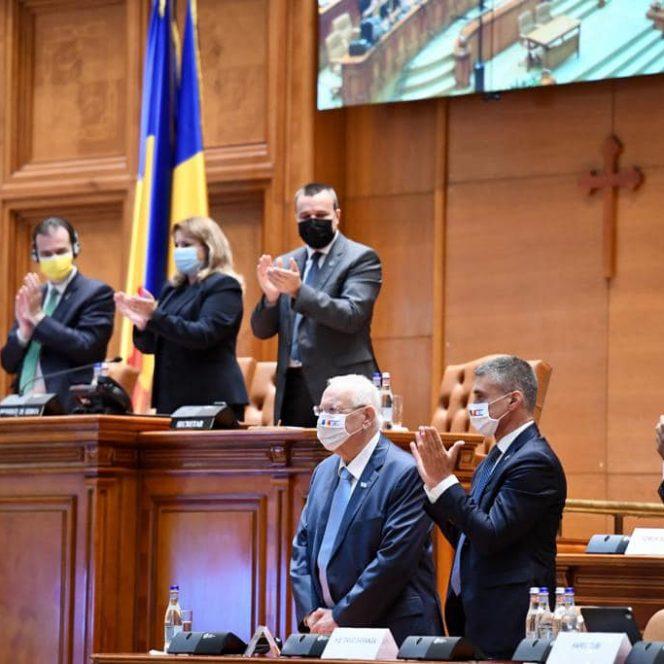 """Ambasadorul Israelului, David Saranga """"Președintele Reuven Rivlin a adus în România 60 de businessmani de top. Într-un an, creșterea economică va fi substanțială!"""" (sursa Ambasada Israelului. David Saranga)"""