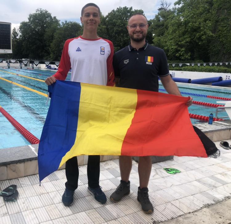 David Popovici, alături de antrenor