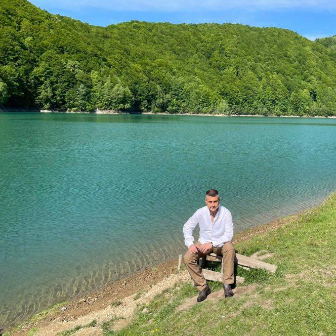 Diplomatul, în vacanță pe Valea Doftanei (sursa Ambasada Israelului. David Saranga)