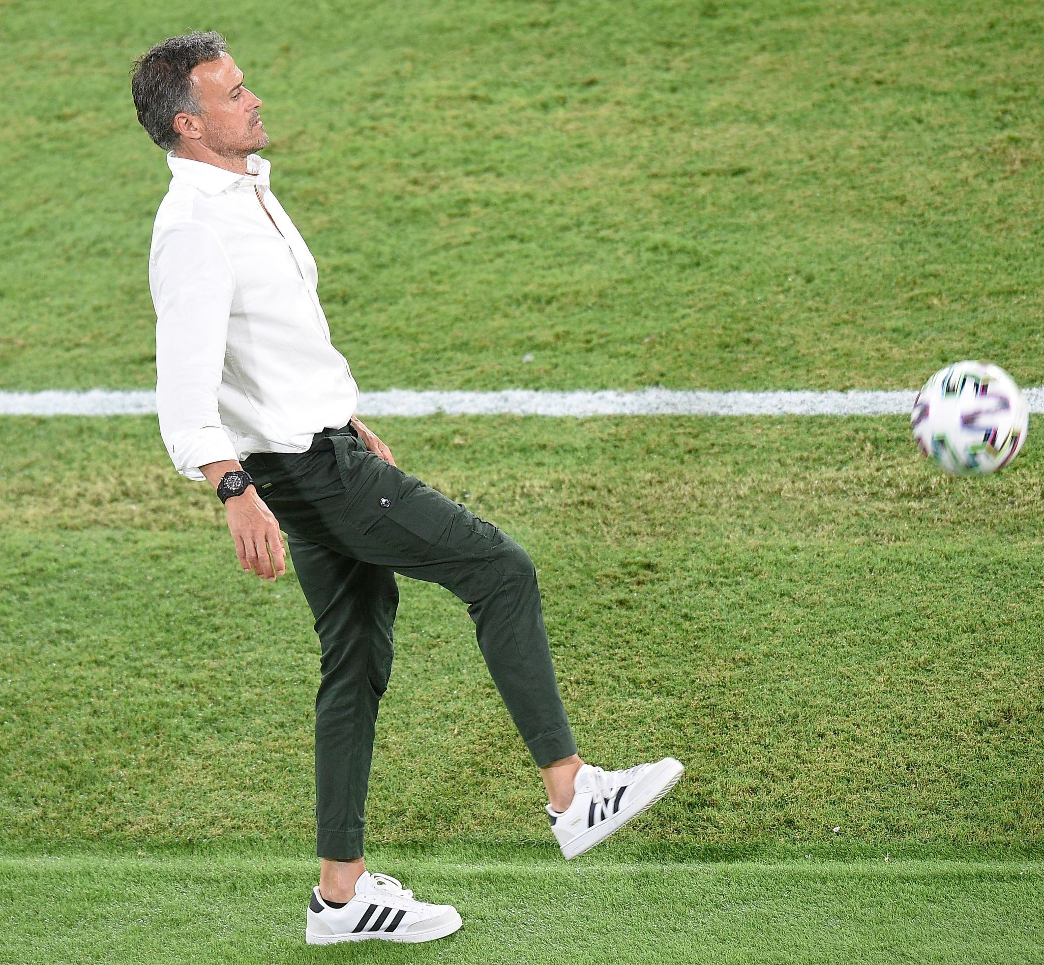 Luis Enrique și ținuta sa exemplu pentru stilul smart-casual cu care a impresionat la EURO 2020