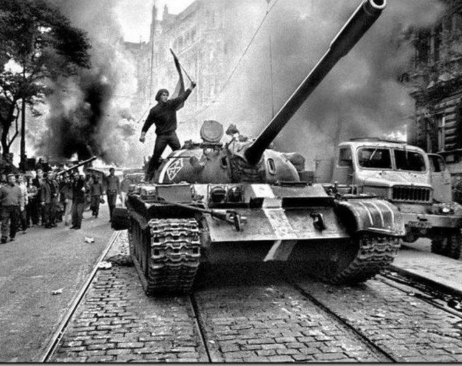 Cehii au luptat până la capăt în timpul invaziei din 1968 (sursa facebook.com)