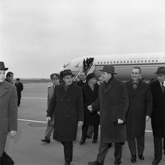 Nicolae Ceaușescu, în vizită la Moscova, în anul 1977 (sursa hepta.ro)