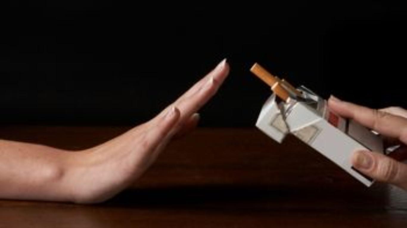 foto: Fanatik   Cum să te lași de fumat. Ce se întâmplă în corpul tău la doar 20 de minute după ultima(...)