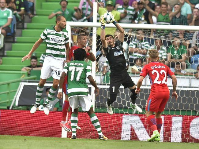 FOTBAL:SPORTING LISABONA-FC STEAUA BUCURESTI, PLAY OFF LIGA CAMP