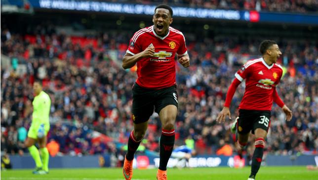 Schimb Barcelona - Manchester United. Rakitic pentru Martial (2)