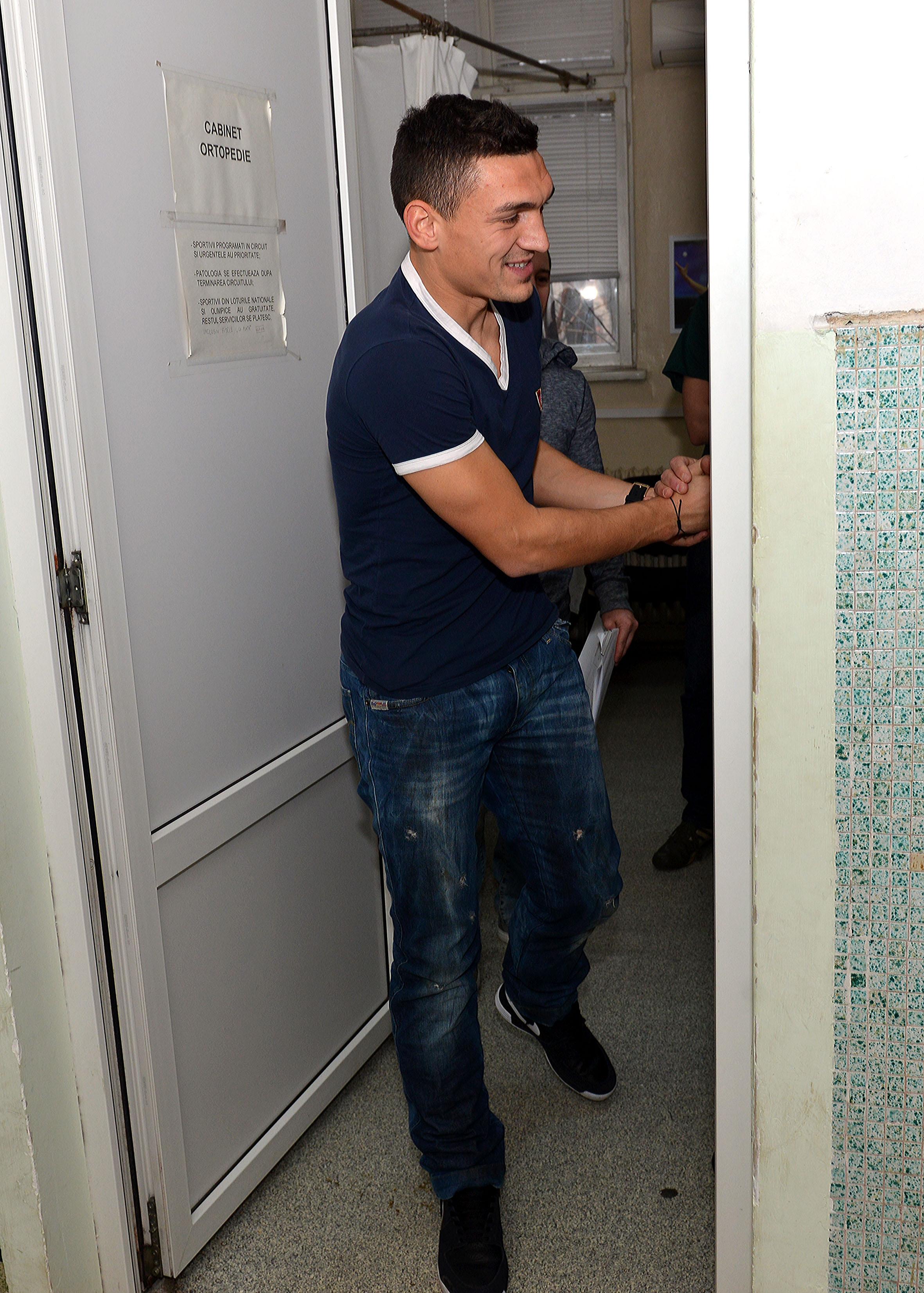 1.FOTBAL:VIZITA MEDICALA STEAUA BUCURESTI (9.01.2014)