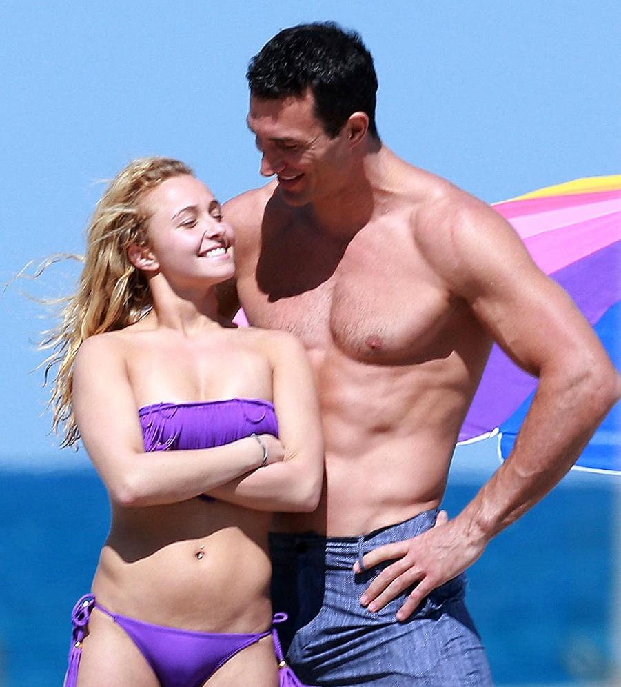 Hayden-Panettiere-Wladimir-Klitschko-Beach-PDA-3-901x1024