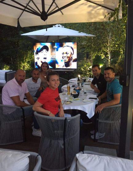 Simona Halep a urmarit la tv finala lui Horia Tecau! Super FOTO (2)