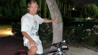 Bicicleta care costă cât o mașină și a fost lansată în doar 100...